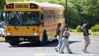 H CIA ξέχασε… εκρηκτικά σε σχολικό λεωφορείο