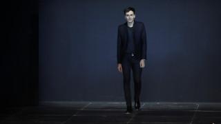 Πολύκροτο διαζύγιο στο Παρίσι καθώς ο Hedi Slimane αποχωρεί από τον Yves Saint Laurent