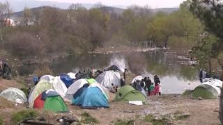 Συγκλονιστικές εικόνες από τον καταυλισμό προσφύγων και μεταναστών στην Ειδομένη