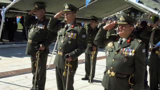 «Βάζουν χέρι» στις οικονομικές προαγωγές των Ενόπλων Δυνάμεων