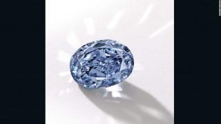 Σπάνιο μπλε διαμάντι πουλήθηκε για 28.000.000 ευρώ