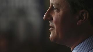 Πυρ ομαδόν στον Κάμερον από βρετανικό Τύπο και αντιπολίτευση
