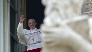 Ο Πάπας ανοίγει τις «θύρες» της  εκκλησίας του
