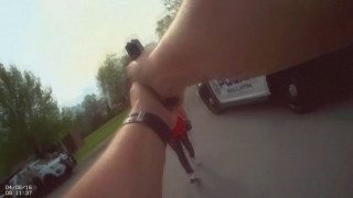 Γυναίκα επιτίθεται σε αστυνομικό με τσεκούρι