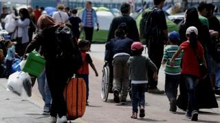 Οριακή η κατάσταση στον Πειραιά - 4.550 μετανάστες και πρόσφυγες