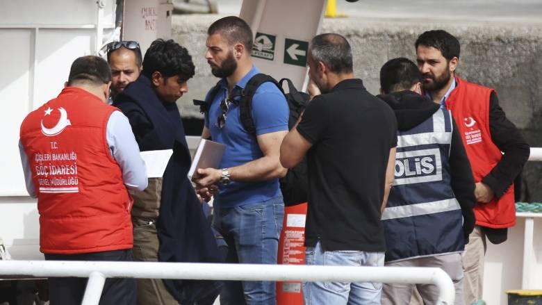 Προσφυγικό: Θα παρακολουθήσουμε αν η Τουρκία εφαρμόζει σωστά τη συμφωνία λέει η Ε.Ε.