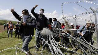 Το Πάσχα η λύση σε Ειδομένη και Πειραιά, λέει η κυβέρνηση