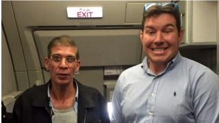 Σταρ σε reality o Βρετανός που έβγαλε σέλφι με τον αεροπειρατή της Λάρνακας