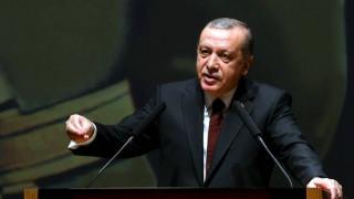 Ο Ερντογάν υπέβαλε μήνυση εναντίον του κωμικού που τον χλεύασε