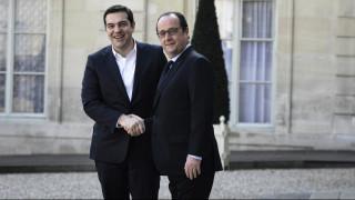 Εκτάκτως στο Παρίσι ο Τσίπρας - Τι θα συζητήσει με Ολάντ