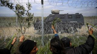 Ειδομένη: Επεισόδια με πρόσφυγες που προσπαθούν να ρίξουν το φράχτη