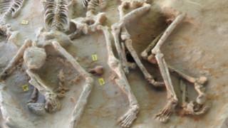 Ομαδική ταφή 80 δεσμωτών στο Φαληρικό Δέλτα - Συνδέονται με το Κυλώνειον Άγος;