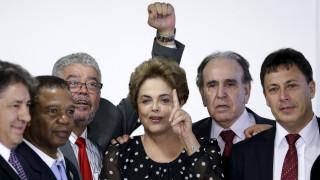 Βραζίλία: Στη δικαιοσύνη για να εμποδίσει την αποπομπή της προσέφυγε η Ρούσεφ