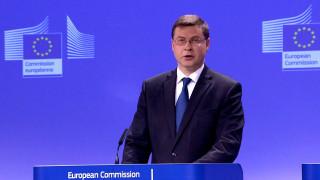 Ντομπρόβσκις: Η Ελλάδα σημειώνει πρόοδο