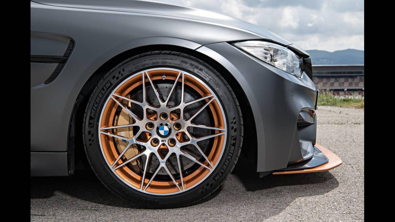 https://cdn.cnngreece.gr/media/news/2016/04/15/28919/photos/snapshot/BMW-M4-GTS-13.jpg