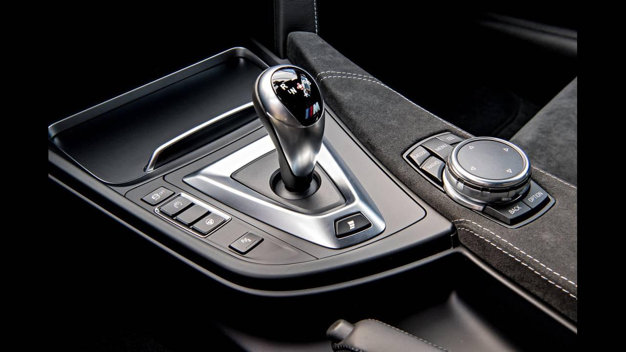 https://cdn.cnngreece.gr/media/news/2016/04/15/28919/photos/snapshot/BMW-M4-GTS-20.jpg