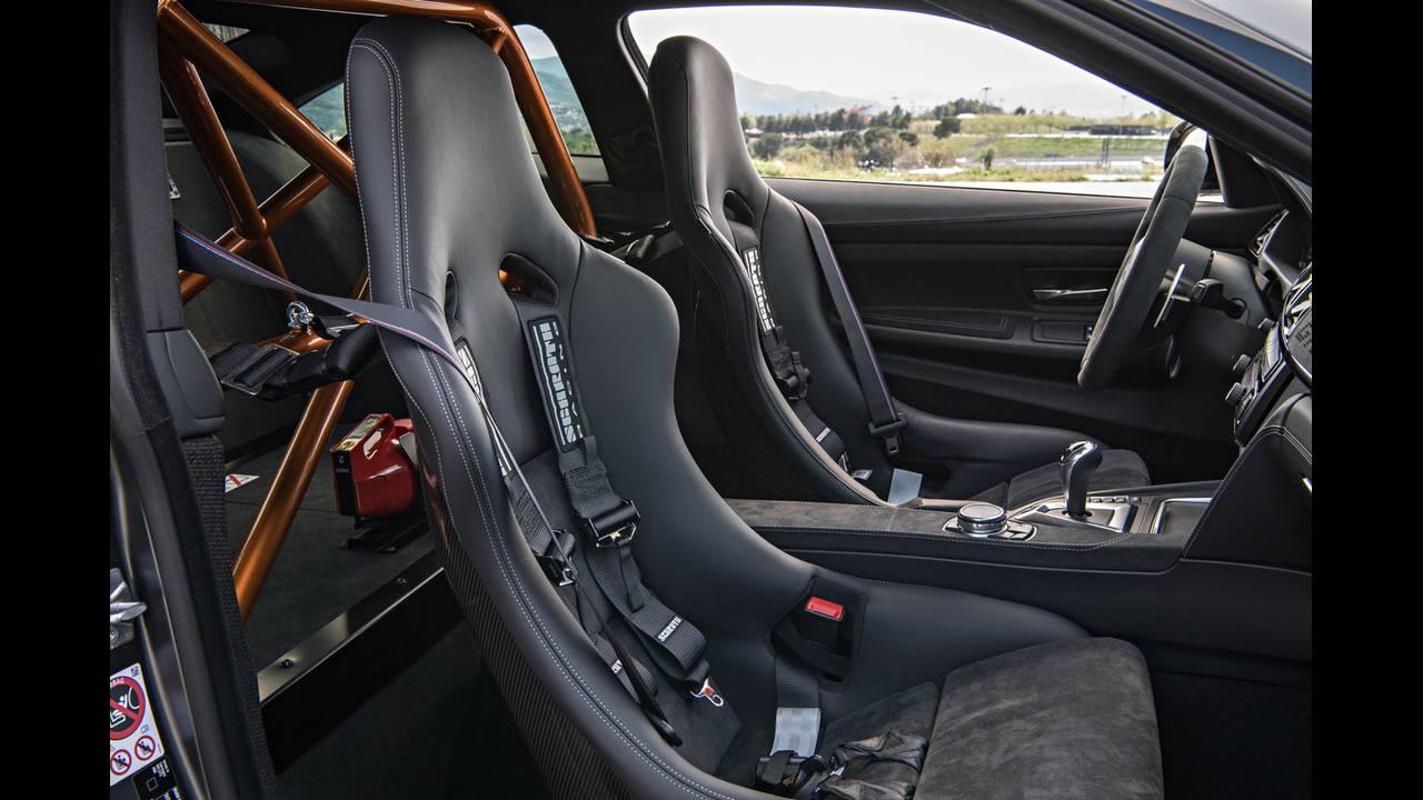 https://cdn.cnngreece.gr/media/news/2016/04/15/28919/photos/snapshot/BMW-M4-GTS-21.jpg