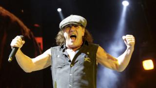 Οι AC/DC αντικατέστησαν τον τραγουδιστή τους με τον Axl Rose