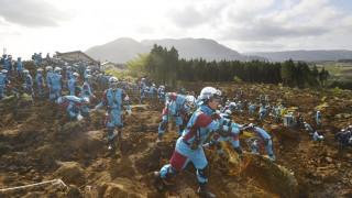 Ιαπωνία: Εντείνονται οι προσπάθειες για τον εντοπισμό επιζώντων