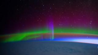 Το Βόρειο και το Νότιο Σέλας από το Διάστημα