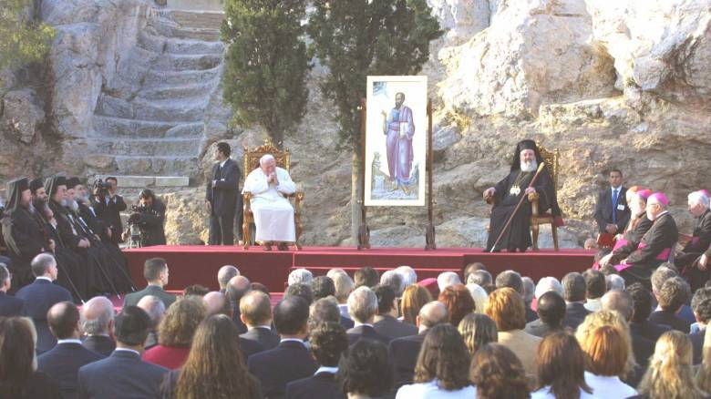 Η επίσκεψη του Πάπα ενεργοποίησε τη διπλωματία της Εκκλησίας