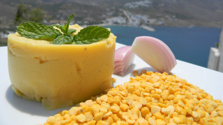Αμοργός: Παραδοσιακή φάβα και ψημένη ρακή