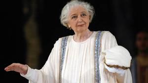 Άννα Συνοδινού: Όντας εξέχουσα μορφή και φυσιογνωμία στο χώρο του θεάτρου, η απώλειά της προκάλεσε οδύνη στη μεγάλη οικογένεια του πολιτισμού.  -Η Αννα Συνοδινού, παγκόσμιας φήμης τραγωδός του κλασσικού θεάτρου, πέθανε στα 88 της χρόνια, στις 7 Ιανουαρί