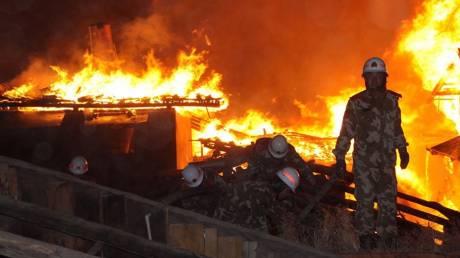 Έκρηξη σε αποθήκη χημικών και καυσίμων στην Κίνα