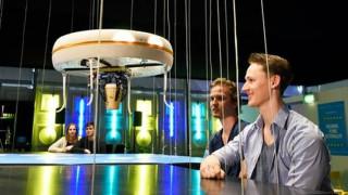 """Στην Ολλανδία η πρώτη καφετέρια με """"drones"""" αντί σερβιτόρων"""