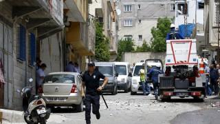 Τουρκία: Νεκρός και δεκάδες τραυματίες από επίθεση με πυραύλους στο Κιλίς