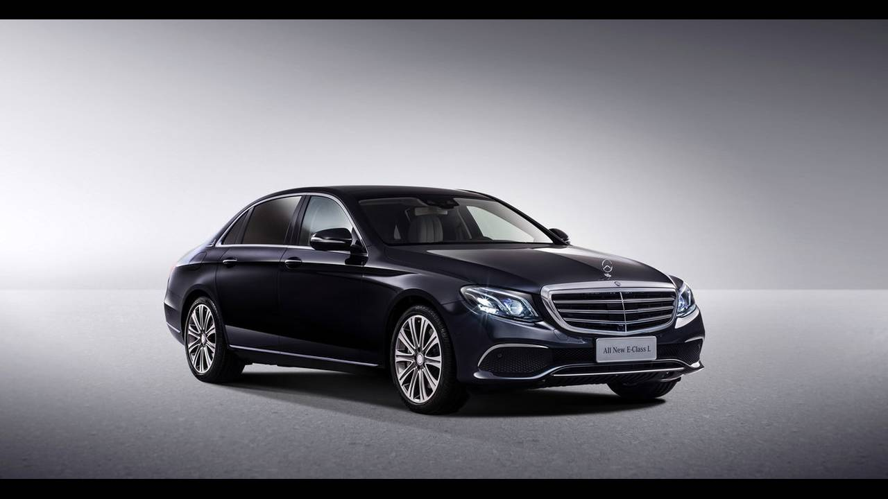 https://cdn.cnngreece.gr/media/news/2016/04/25/30065/photos/snapshot/MERCEDES-E-CLASS-LONG-13.jpg