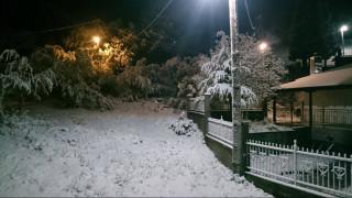 Χιόνια στη Σαμαρίνα Γρεβενών και στο Μέτσοβο