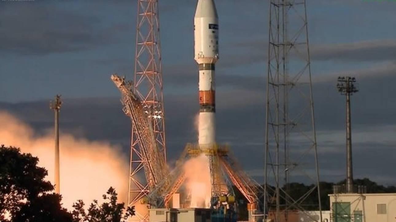 Σε τροχιά ο δεύτερος ευρωπαϊκός δορυφόρος που θα... προσέχει τη Γη