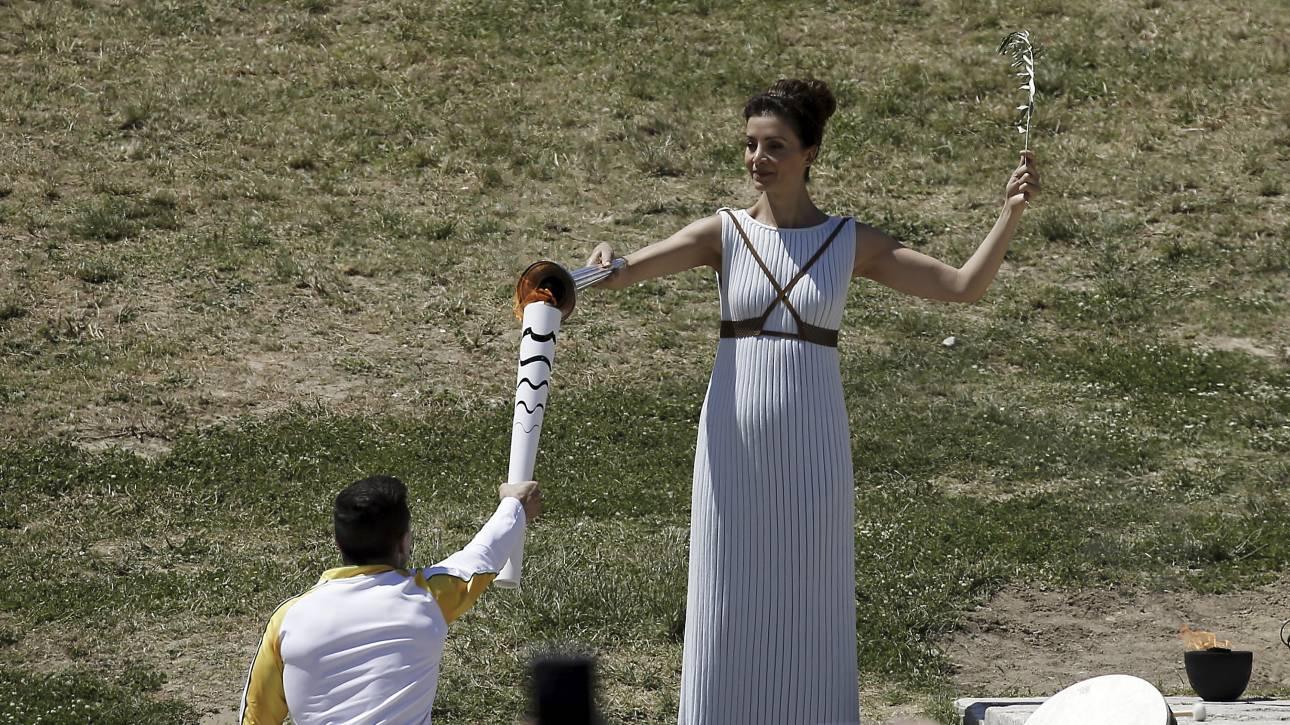 Η Βραζιλία παραλαμβάνει την Ολυμπιακή Φλόγα για τους Αγώνες του Ρίο