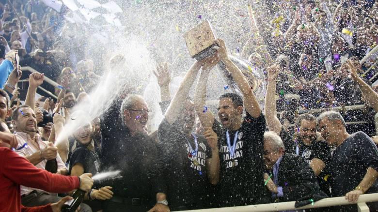 Ο ΠΑΟΚ κέρδισε τον Φοίνικα Σύρου με 3-2 σετ και κατέκτησε το πρωτάθλημα βόλεϊ στους άνδρες