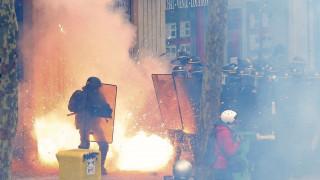 Μαζικές διαδηλώσεις και συγκρούσεις στην Γαλλία