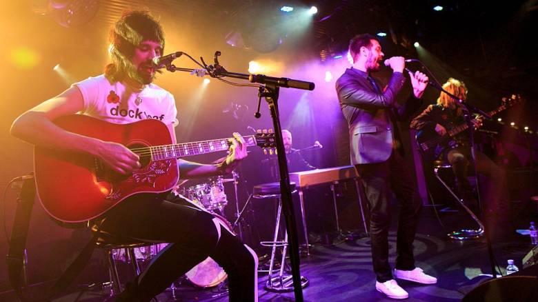 Το βρετανικό ροκ συγκρότημα των Kasabian κάνει συναυλία για την «πρωταθλήτρια» Λέστερ