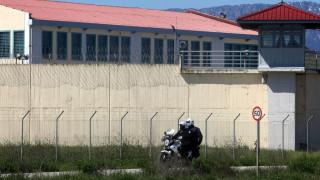 Χειροβομδίδα σε φυλακές των Τρικάλων