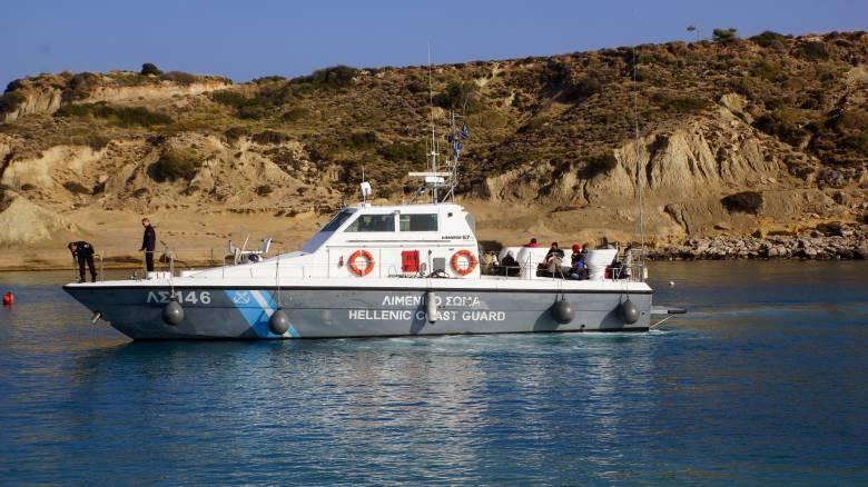 Διαψεύδει το Λιμενικό ότι τουρκικό σκάφος προσπάθησε να εμποδίσει τη Θεία Λειτουργία στις Οινούσσες