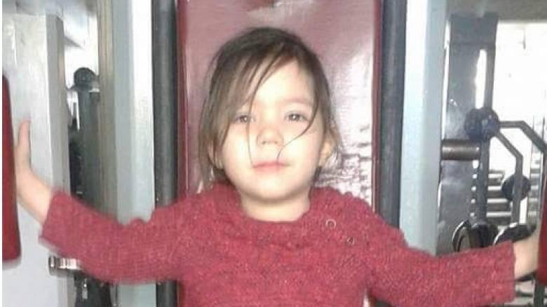 Eξαφάνιση μικρής Μαρίας: Άκαρπες έρευνες παρά τις εκκλήσεις των γονιών