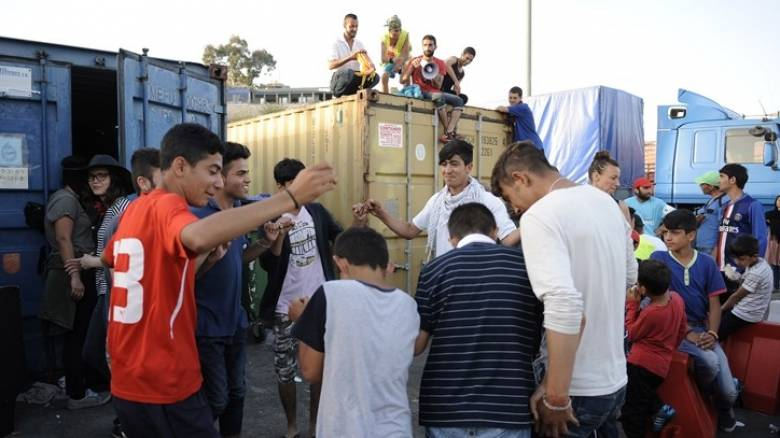 Σε 54.142 ανέρχονται οι πρόσφυγες και μετανάστες στην ελληνική επικράτεια