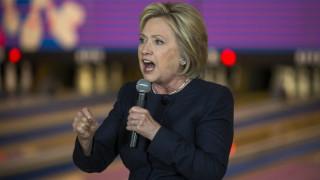 Χίλαρι Κλίντον: Ανεξέλεγκτος και επικίνδυνος ο Τραμπ