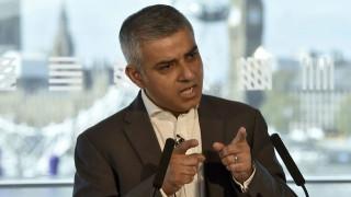 Στις κάλπες το Λονδίνο, Μουσουλμάνος έχει το προβάδισμα