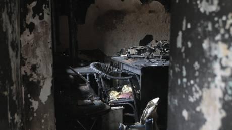 Video: Δύο νεκροί από φωτιά σε σπίτι στον Κολωνό
