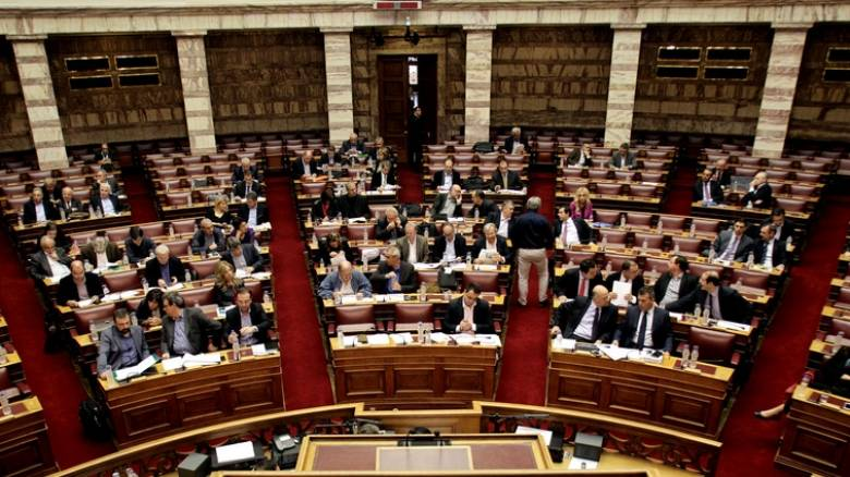 Βροχή τροπολογιών στη Βουλή