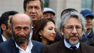 Απόπειρα δολοφονίας Τούρκου δημοσιογράφου έξω από δικαστήριο (vid)