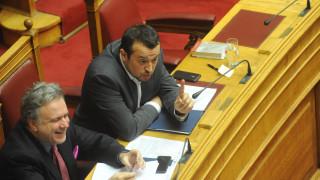 Μεταμεσονύκτιες τροπολογίες για έντυπα, έκπτωση φόρου εισοδήματος και προσωπικές επιχειρήσεις