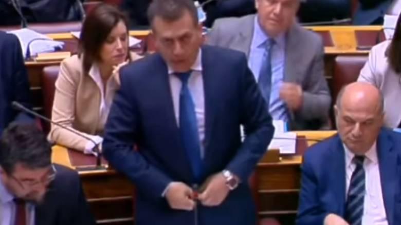 Σε φόντο... αφορολόγητου το ξεκίνημα της συζήτησης στη Βουλή