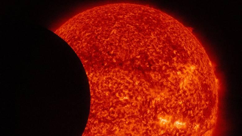 Τη Δευτέρα ο Ερμής θα περάσει μπροστά από τον Ήλιο