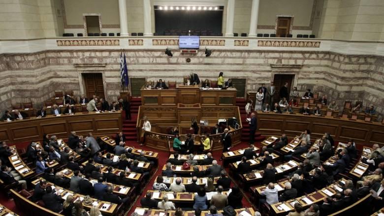 """""""Θερμό"""" επεισόδιο στη Βουλή για την ονομασία της ΠΓΔΜ"""